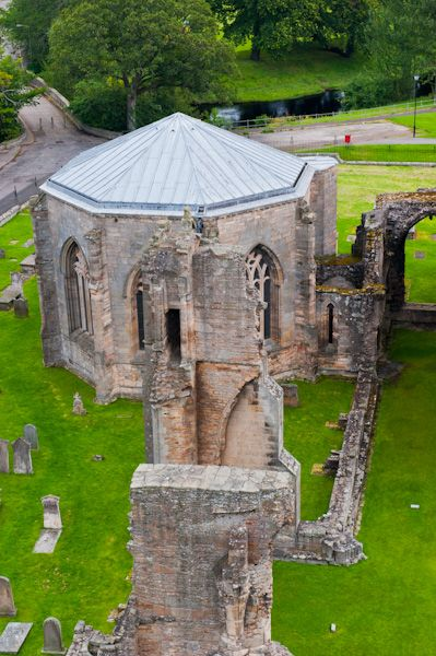 Elgin Cathedral photo, Looking down on the chapter house