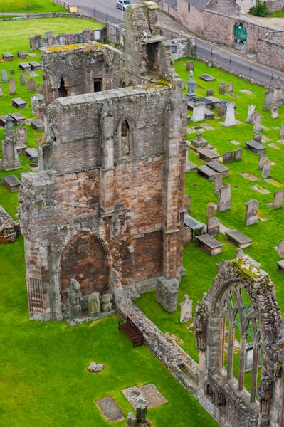 Elgin Cathedral photo, Looking down from the tower