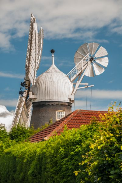 Ellis Windmill photo, The windmill from Upper Long Leys Road