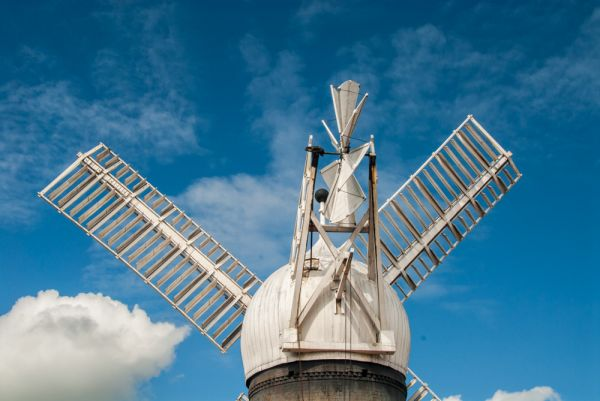 Ellis Windmill photo, The cap and sails