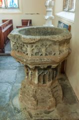 Evesham, St Lawrence's Church, The late medieval font