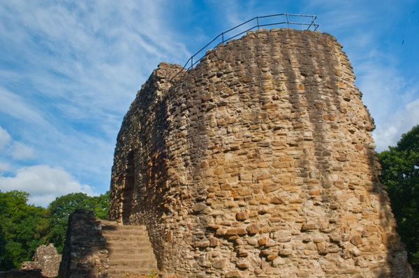Ewloe Castle  photo, The D-shaped tower