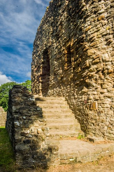 Ewloe Castle  photo, Stairs to the gatehouse entrance