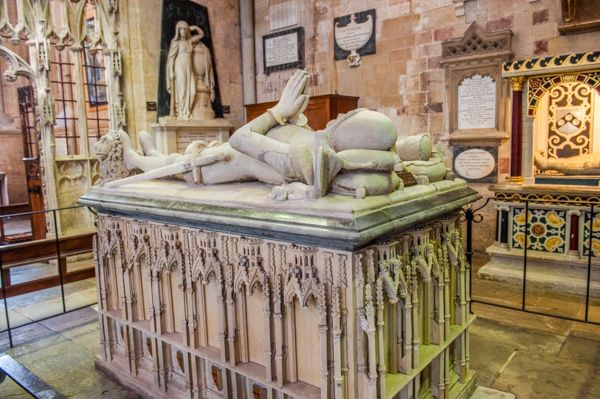 Exeter Cathedral photo, 14th century tomb of Hugh Courtenay, Earl of Devon