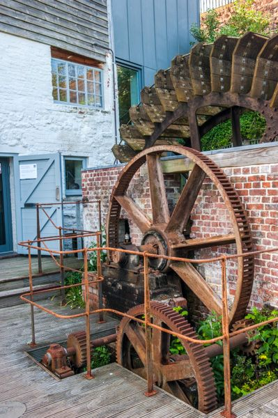 Cricklepit Mill photo, The gear mechanism for the outer waterwheel