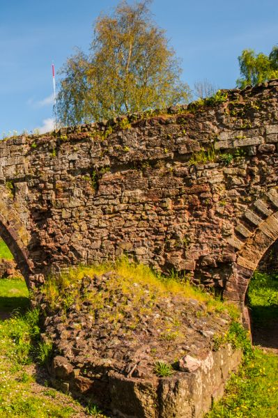 Exeter Old Bridge photo, A bridge foundation and arches