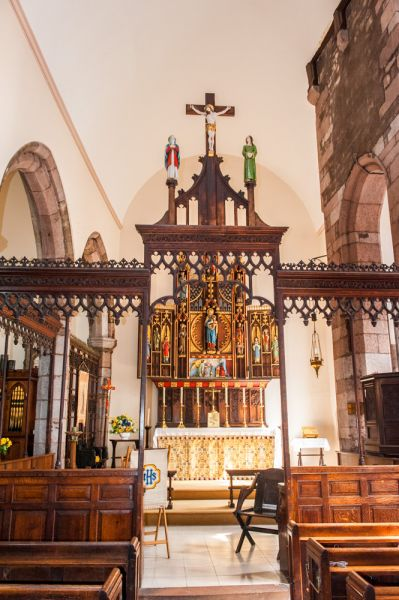 Exeter, St Olave's Church photo, The chancel screen and sanctuary beyond