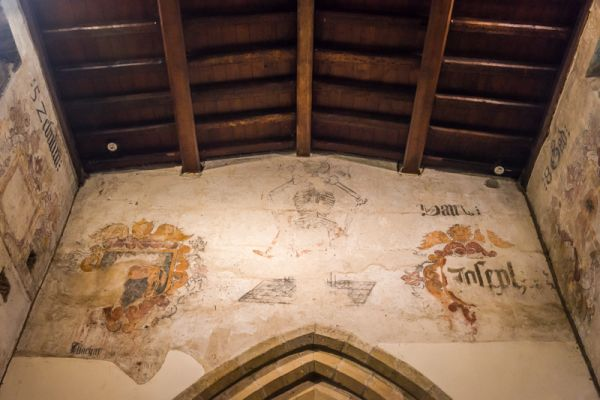 Eyam, St Lawrence Church photo, 18th century wall paintings