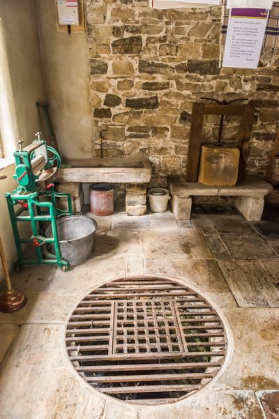 Eyam Hall photo, The well in the laundry outbuilding