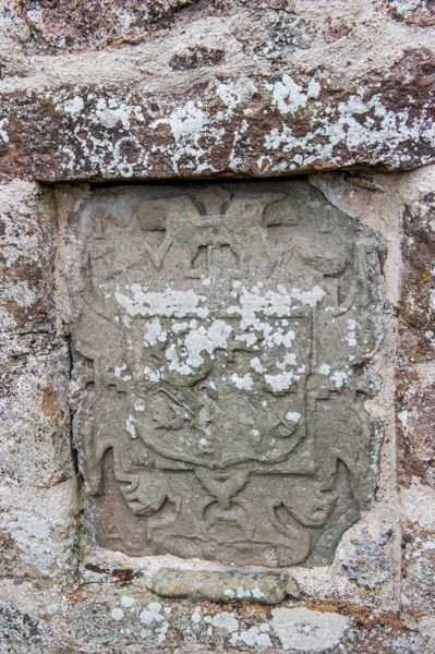Fetteresso, St Ciaran's Old Church photo, Heraldic coat of arms on the church wall
