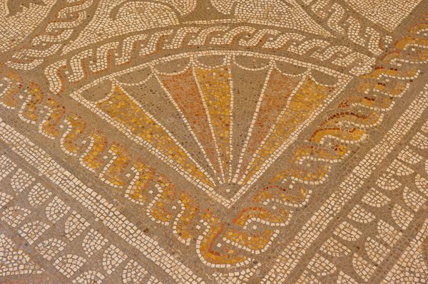 Fishbourne Roman Palace photo, Scallop mosaic