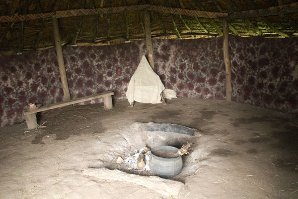 Flag Fen photo, Reconstructed hut interior