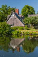 Flatford Bridge Cottage, Bridge Cottage and the River Stour