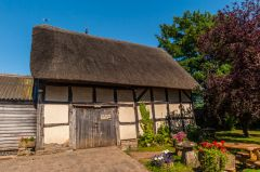 Fleece Inn, The thatched barn