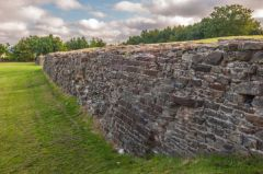 Flint Castle , The stone retaining wall