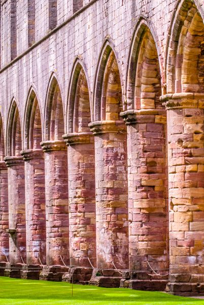Fountains Abbey photo, Nave arcding