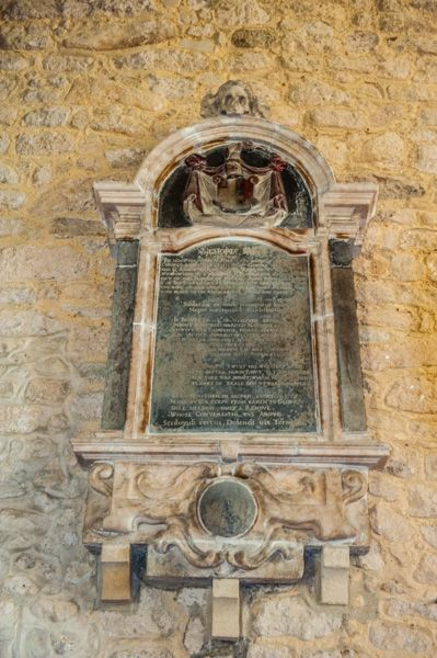 Freshwater, All Saints Church photo, Anne Toppe, d. 1648
