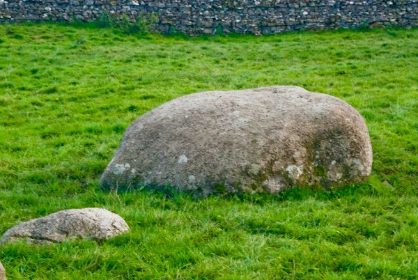 Gamelands Stone Circle photo, Recumbent stones, large and small
