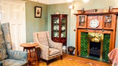 Edwardian 'Arts and Crafts' style room