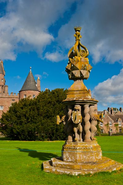 Glamis Castle photo, The Great Sundial