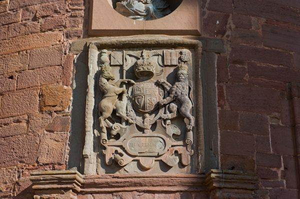 Glamis Castle photo, Coat of arms above entrance