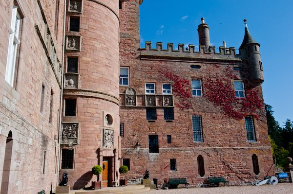 Glamis Castle photo, Front of castle