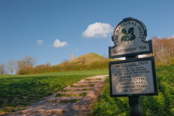 Glastonbury Tor photo, The start of the path up the Tor
