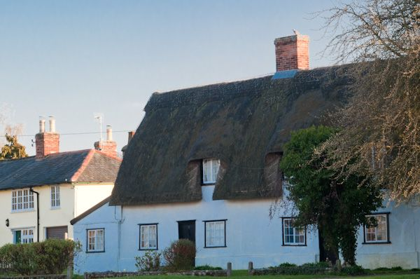 Glemsford photo, Thatched cottage near the church