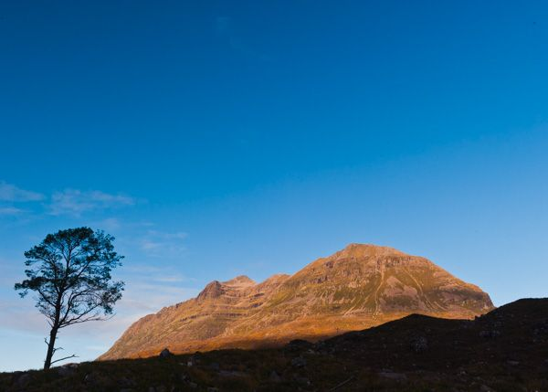 Torridon photo, Liathach in early morning light