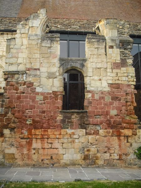 Blackfriars, Gloucester photo, Medieval wall and window