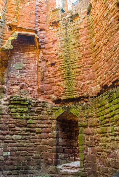 Goodrich Castle photo, Inside the tower