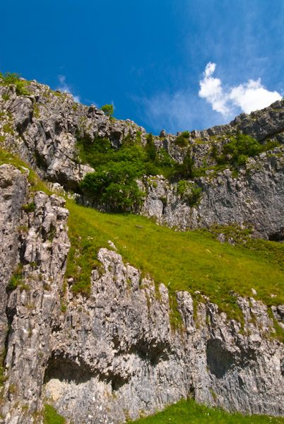 Gordale Scar photo, The cliffs at Gordale