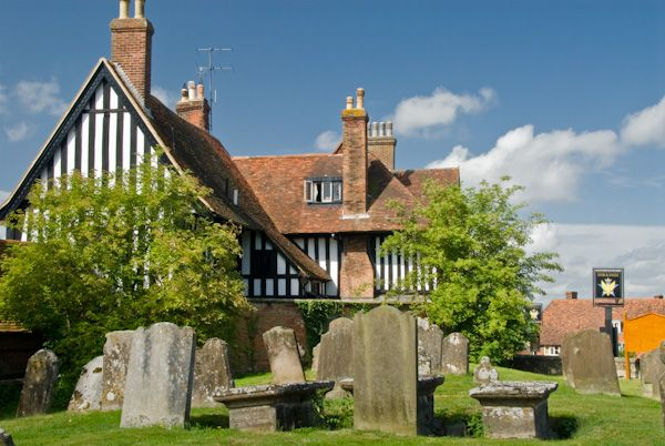 Goudhurst photo, Star and Eagle pub from the churchyard