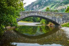 Grange in Borrowdale, The 17th century bridge at Grange