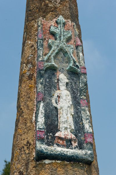 Great Bedwyn photo, Medieval cross carving