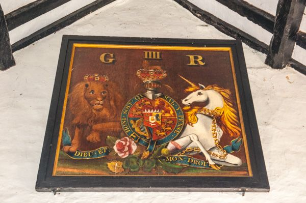 Great Washbourne, St Mary's Church photo, George IV coat of arms
