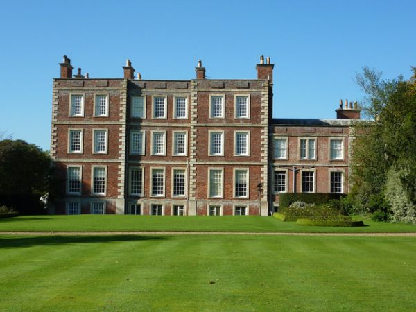 Gunby Hall photo, The garden fron (c) Richard Croft