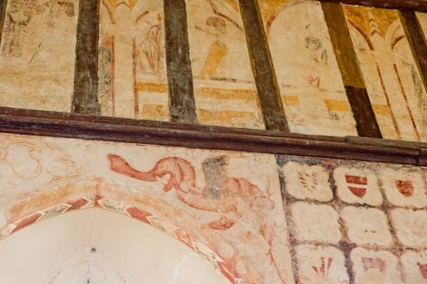 Hailes Church, Gloucestershire photo, Medieval elephant painting