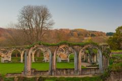 Ruined arches at Hailes Abbey