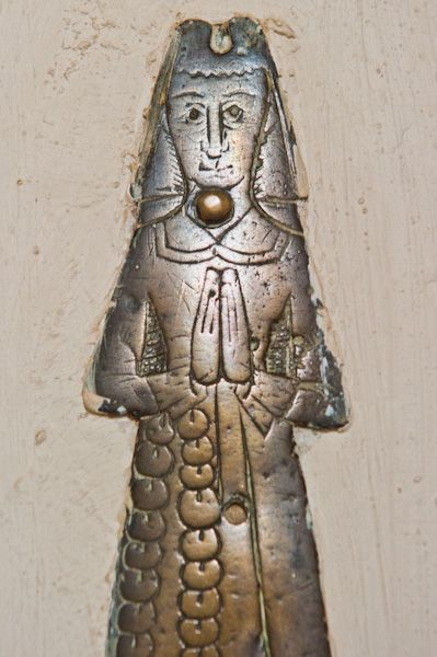 Hambleden, St Mary's Church photo, Late medieval brass of a woman