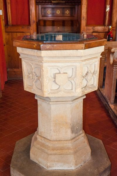 Hampnett, St George's Church photo, The 15th century Perpendicular font