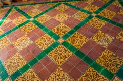 Hampnett, St George's Church, Victorian encaustic tiles in the sanctuary