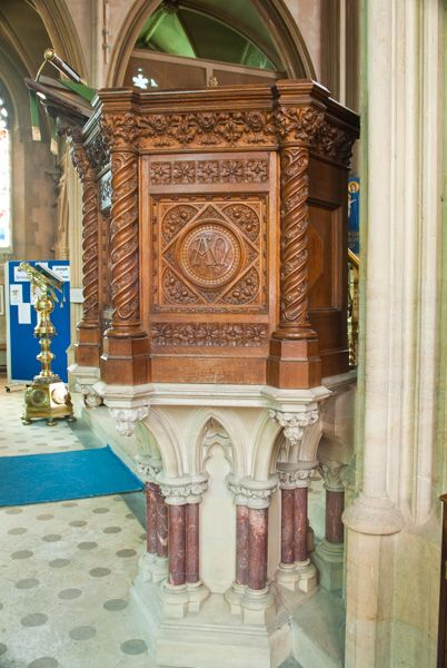Hampton Lucy, St Peter ad Vincula Church photo, The beautifully carved pulpit