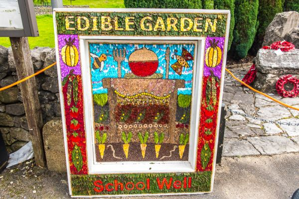photo, School childrens well dressing in Hartington