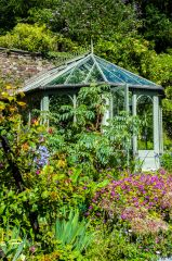 The walled garden summerhouse