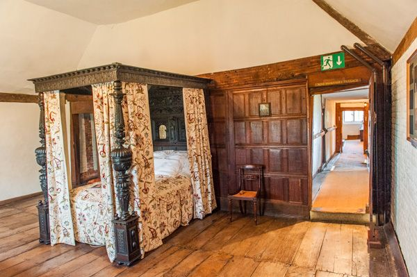 Harvington Hall photo, The Priest's Room