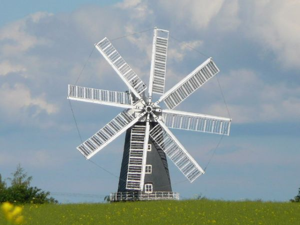 Heckington photo, Another view of the windmill (c) Steve Tapster