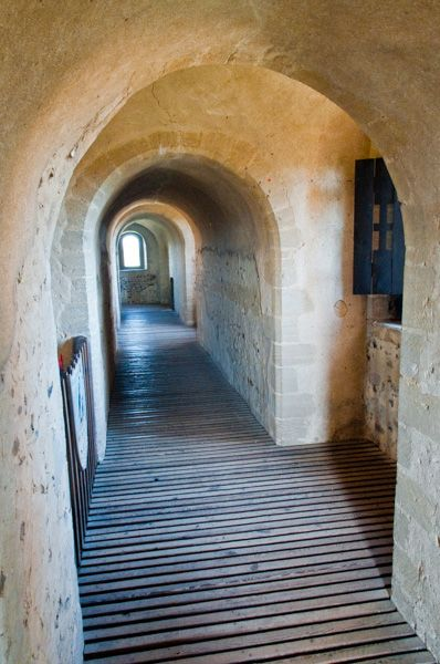 Hedingham Castle photo, Mural passage leading to minstrel gallery