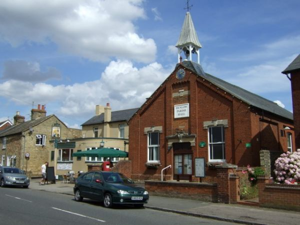 Henlow photo, Henlow parish hall on High Street (c) JThomas