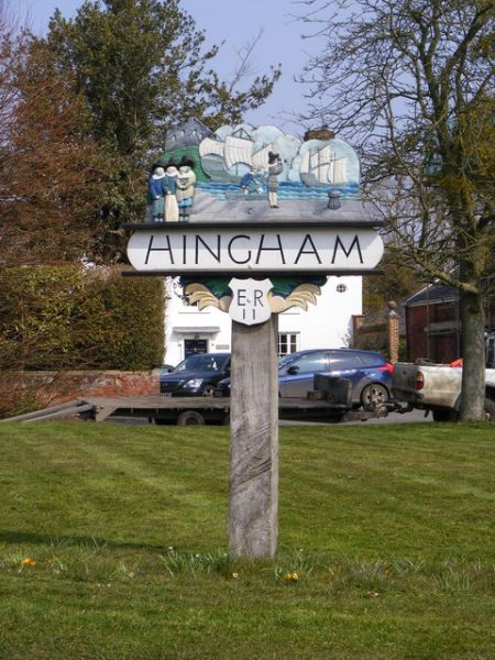Hingham photo, The village sign (c) Adrian Cable